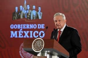 López llamó a cerrar filas en torno a México. Foto: Especial
