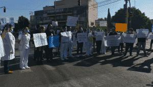 Personal medico bloquea Ermita Iztapalapa