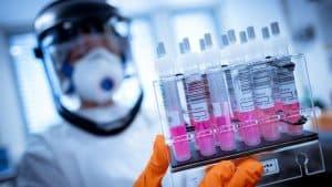 Aprueban a Pfizer y BioNTech hacer ensayo clínico de vacunas contra COVID-19