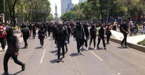 Fiscalía de la CDMX abrió seis carpetas de investigación por saqueos durante marcha