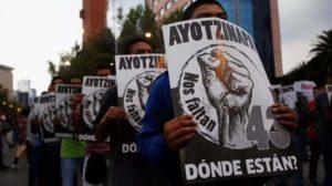 Identifican a uno de los normalistas de Ayotzinapa