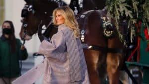 Melania Trump recibió el Árbol Navideño