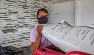Reciben fertilizante casi cinco mil productores de maíz de pequeña escala de Morelos