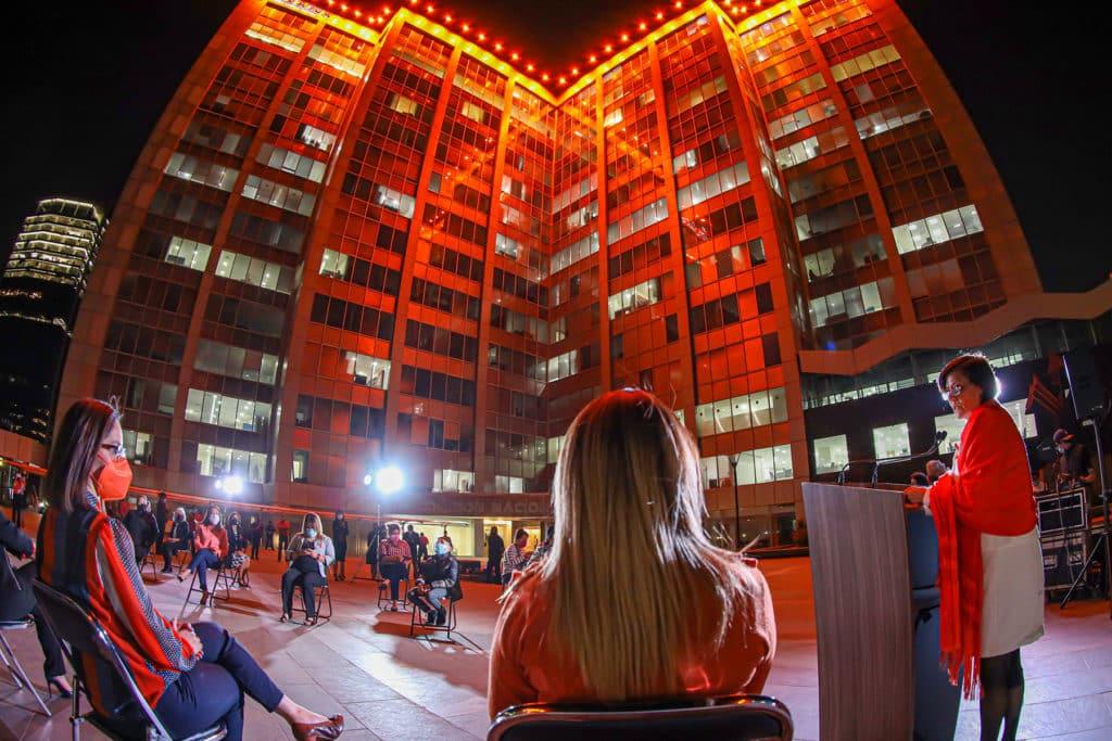 Conagua se ilumina de naranja, por la Erradicación de la Violencia Contra las Mujeres