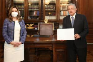 embajadora de El Salvador, Rosa Delmy Cañas de Zacarías