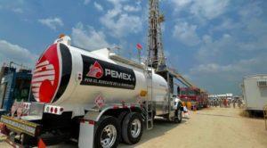 Pemex campo de petróleo en tabasco