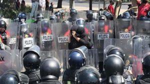 encapsulamiento de manifestantes
