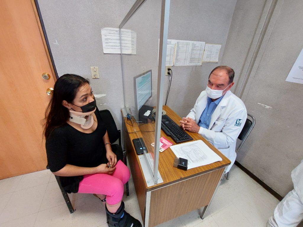 cirugía a paciente con fractura entre el cuello y la cabeza