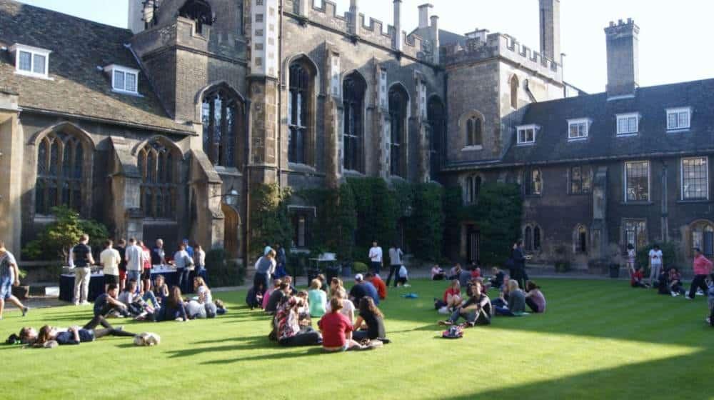 becas para maestría en Reino Unido