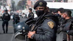 El gobierno de la Ciudad de México desplegará más de 7 mil policías como parte del operativo de seguridad para vigilar la Consulta Popular