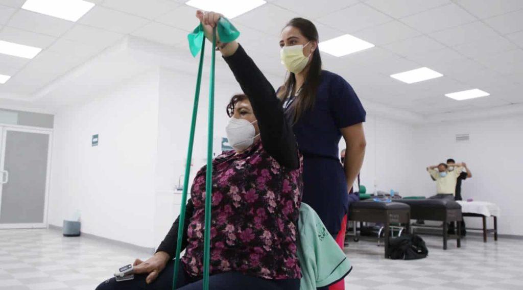 IMSS da rehabilitación post-COVID